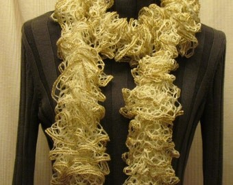 Starbella marble knitted ruffled scarf - off white with gold metallic edging