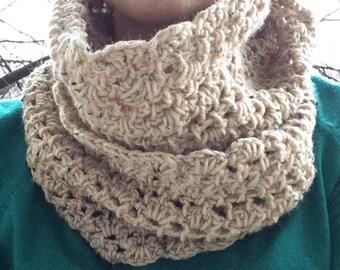 Brown infinity scarf, crochet scarf, crochet neckwarmer, crochet cowl, brown scarf, brown cowl, brown neckwarmer, infinity scarf, mocha