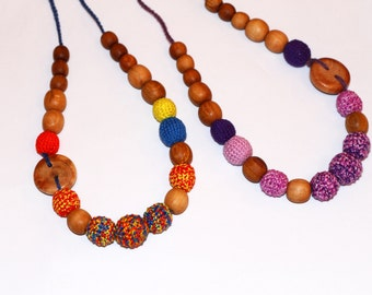 Nursing necklace with button for a new moms - Wooden Teething baby toy