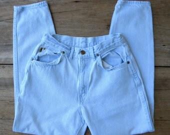Size 27 Vintage Chic High Waist Light Denim Jeans / Vintage High Waist Jeans / Light Wash / Made in USA / 27 inch Waist