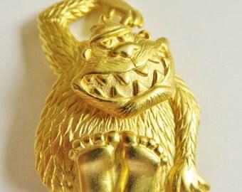 JJ Jonette Gold Tone Whimsical Gorilla Ape With Wobble Head Brooch Pin