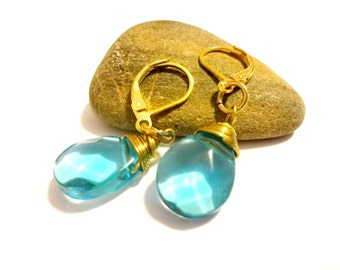 Blue Aquamarine Dangle Earring, Aqua Briolette Earrings, Gold Tone Wire Wrapped Earrings, Leverback Earrings, Faceted Briolette Earrings,