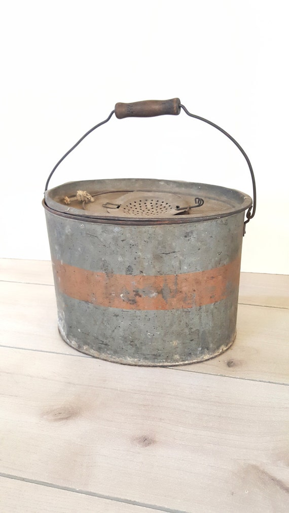 Vintage metal bucket pail flower box by simplehomefinds for Metal bucket planter