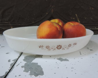 Vintage Dynaware Casserole Dish PYR-O-REY Dynaware Milk Glass Dish featuring Brown Daisy Design