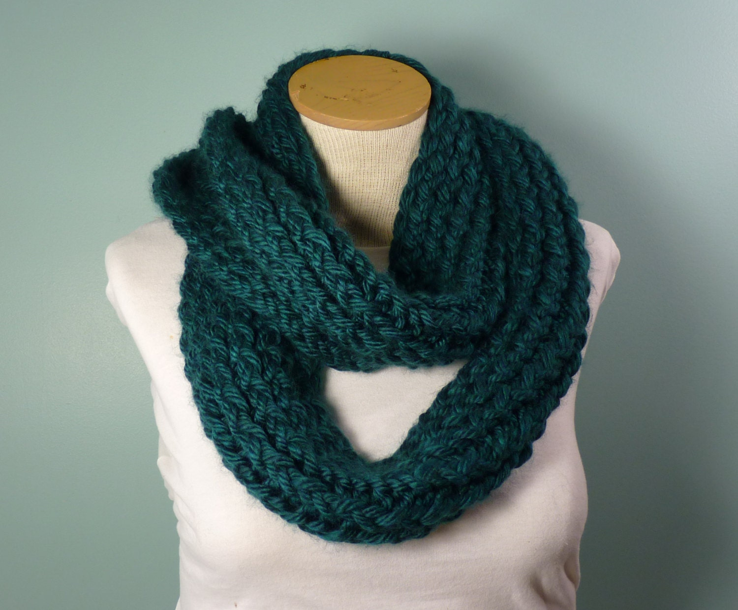 Infinity Scarf Loom Knitting Pattern For Beginners : Knit Infinity Scarf Loom Knit Loop Scarf Green/Blue Infinity