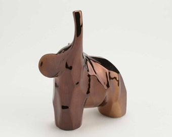 Statue of ceramic elephant for collection, 8 inches