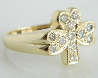 Wonderful 14K Gold & Diamond Shamrock Ring size 6.5
