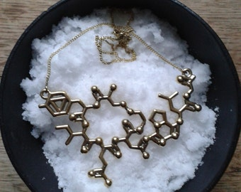 Oxytocin-necklace: The cuddle hormone