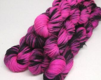Mini Skein 20g -Super Sock - Pink and black soak