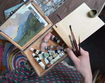 artist paint box FOR TRAVELLING