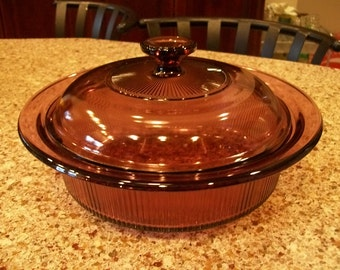 Corning Vinsions Cranberry 1.5 Quart Casserole Bowl with Lid