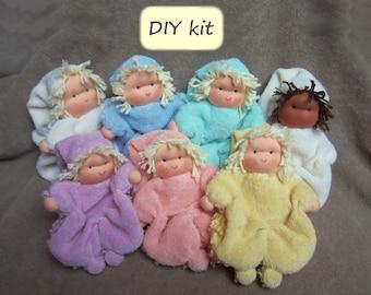 Do it yourself. Waldorf doll kit 'Klaasje': materials and instructions with pattern (PDF). Waldorf cuddle doll 'Klaasje'.