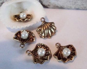 Metal Sea Shell Charms with Faux Pearls.5 pcs