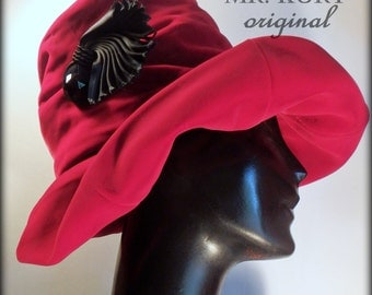 Mr. KURT True Vintage 1940's Red Velvet Cloche Women's Hat Sz S