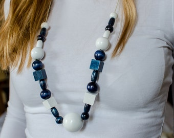 White and navy necklace, wooden beads, modern necklace, bridesmaid gift, jewerly, woman gift,handpainted necklace, birthsday gift,