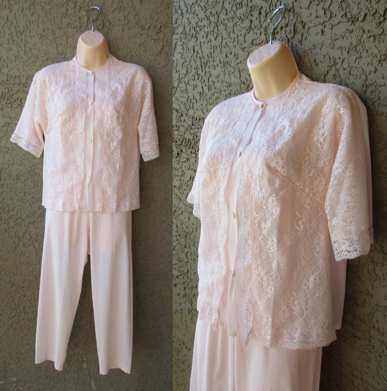 VTG Vanity Fair Lt Pink Pajamas Lace Top Elastic Waist 2 Piece