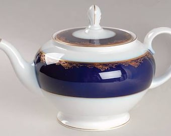 Rosenthal 'Frederick the Great'  Tea Pot