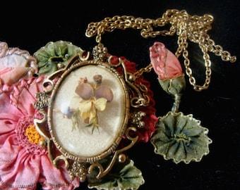 Goldtone vintage Foral Pendant w/ Chain & Brooch