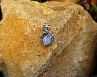 "Contemporary pendant ""Morana"" - white Labradorite (rainbow moonstone) and sterling silver"