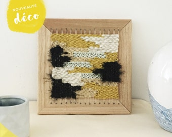 Weaving 20x20cm. Frame to the wall. Wall decoration. Wool and lace.
