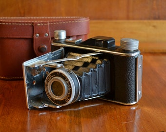 Camera Kodak 1950's Foldex  with Leather Case