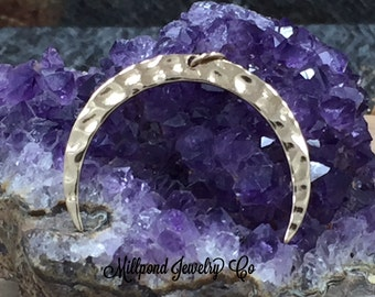 Crescent Moon Charm, Moon Charm, Moon Pendant, Celestial Charm, Natural Bronze, Necklace Charm, Necklace Pendant, PB0185