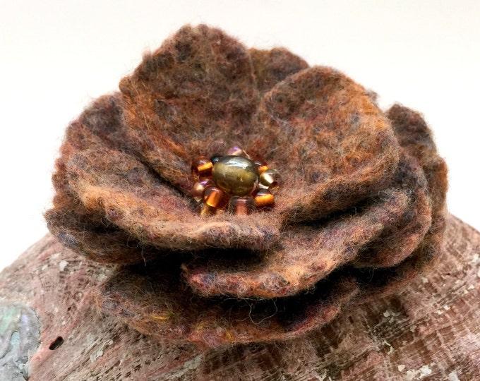 Brown Bead Flower Brooch Merino Wool Retro Style Wedding Bright Dress Hat Accessories Hat Flower Brooch Authentic Designer Felt Floral Pin