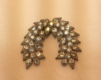 Vintage 1940's Wreath Shaped Rhinestone Brooch. Art Deco Paste Brooch