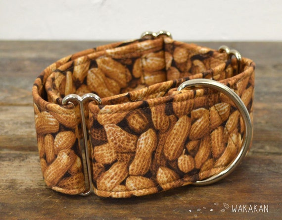 Martingale dog collar model Nutty. Adjustable and handmade with 100% cotton fabric. Peanut, Nuts Wakakan