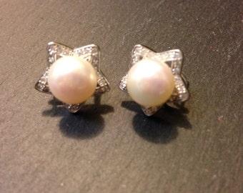 Vintage 925 Sterling Silver Pearl Earrings w/Omega backing