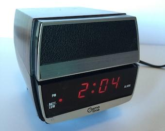 Vintage/Retro Cosmo Time Alarm Clock with Retracting Light