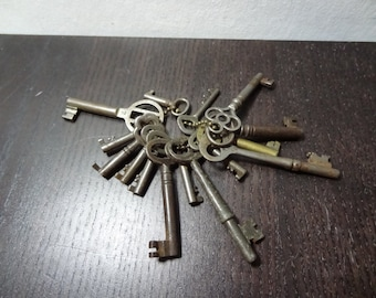 Antique Skeleton Keys - Set of 15 - Rustic/Industrial Design