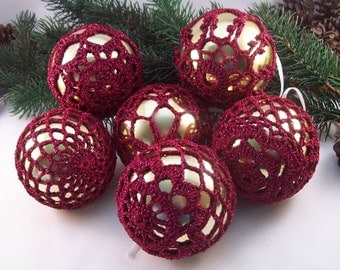 Gold & Burgundy Christmas Baubles, ChristmasInJuly, CIJ, Crochet baubles, Christmas ornaments, Holiday decorations, Crochet lace, Baubles