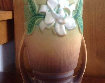 Vintage Roseville Pottery Tan Gardenia Vase # 683 - Made in USA - 1950