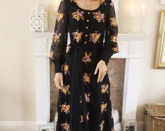 Vintage 1970s Maxi dress Black chiffon dress  Embroidered dress  Evening dress, Party dress Evening gown Boho party dress Black floral maxi