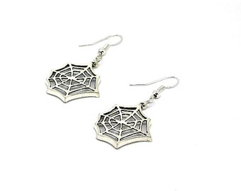 Silver Web Dangle Earrings // Alternative // Spider // Spiderweb // Gothic // Halloween