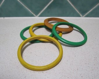 5 Vintage Wooden Green and Yellow Bangles