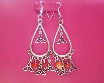 new Celtic triquetra symbol earrings with agate chips