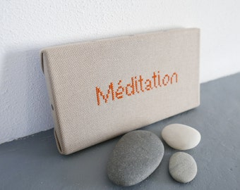 Embroidered table, positive word, Meditation. Customizable colors. At points spoken. Yoga, zen.