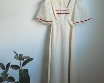 Vintage White Lace Maxi Dress