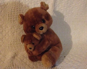"Russ Berrie #608 Plush Teddy Brown Bear 10""  Mother Holding Baby Hugging"