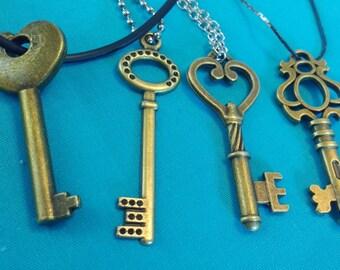 Vintage style key Necklace (Steampunk)