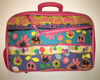 Vintage 70's pink flowered suitcase carry on bag