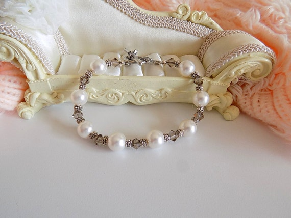Swarovski White Pearl Bracelet Victorian Style Bracelet Wedding Bracelet Bridal Pearl Bracelet Victorian Jewelry
