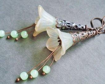 Light Green Flower Earrings, Lucite Flower Jewelry, Victorian Style Copper Earrings, Flower Bohemian Jewelry, Vintage Style Green Earrings