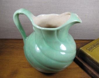 Red Wing #735 Swirl Pitcher - Green