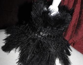 Collar [earrach] - feather collar in black