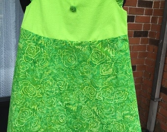 Childs Dress (size 6).  (No 383)