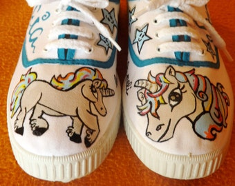 "SLIPPERS ""MAGICAL UNICORN"""