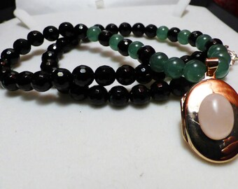 Onyx jade necklace with a Medallion